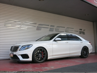 Mercedes-Benz S class 用パーツ 『S63/65 AMG (W222) 13y- GOD HAND High Class フロントリップ BKカーボン』 商品イメージ