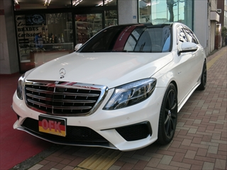 Mercedes-Benz S class 用パーツ 『W222 13y-ナイトビュー付 V12/マイバッハ STYLE GRILL』 装着イメージ